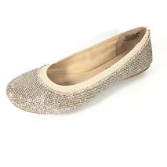 bb1922fa8235 Bandolino B-Flexible Ballet Flats 🌠